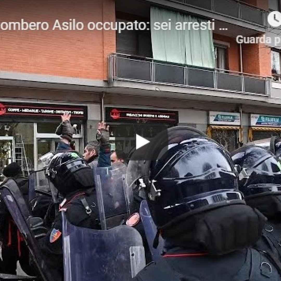 torino video sgombero asilo polizia