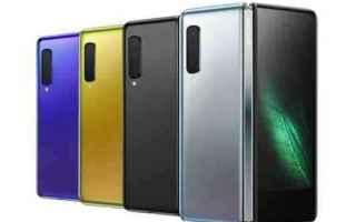 Cellulari: smartphone pieghevole samsung