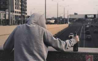Medicina: giovani  adolescenti  suicidio