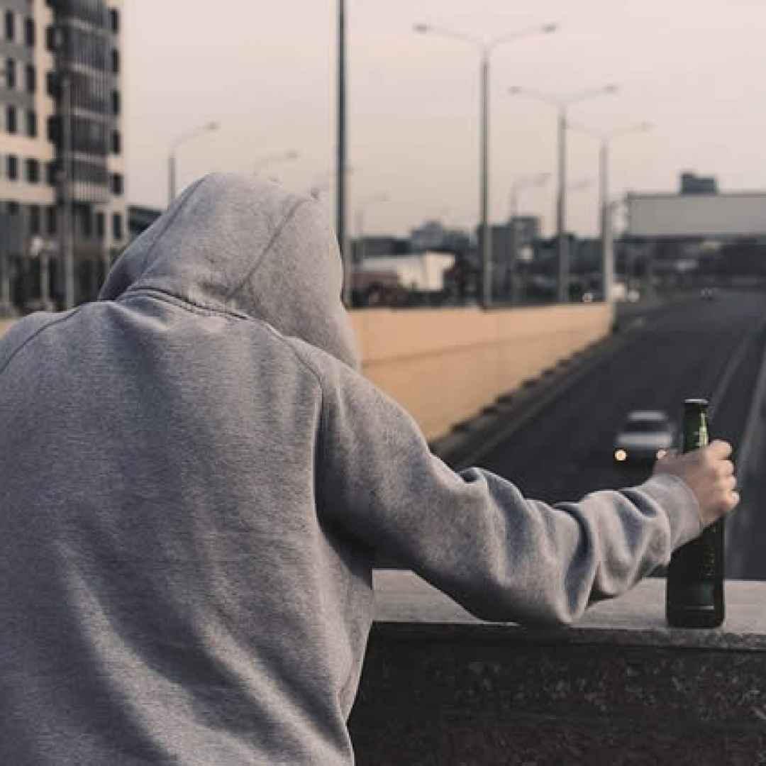 giovani  adolescenti  suicidio
