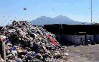Napoli: napoli  emergenza rifiuti  de magistris