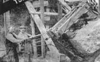 Storia: preistoria  restauro  stonehenge