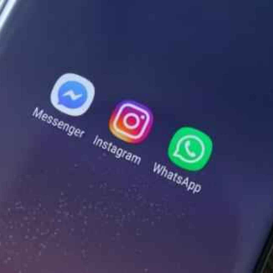 whatsapp  messenger  instagram