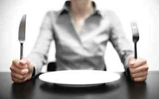 Alimentazione: fame cibo mangiare salute benessere