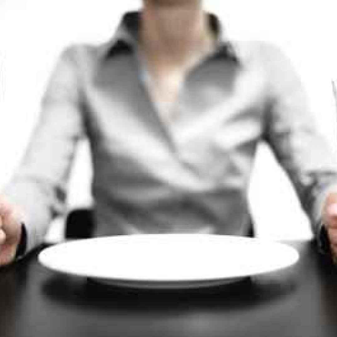 fame cibo mangiare salute benessere