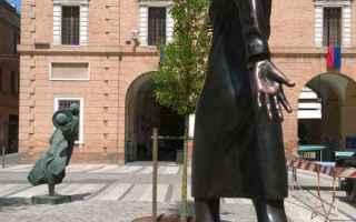 Notizie locali: la staffetta  monumento  anpi