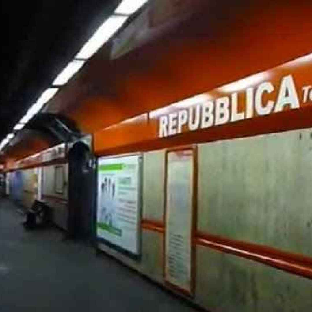 roma  trasporto pubblico  metro a