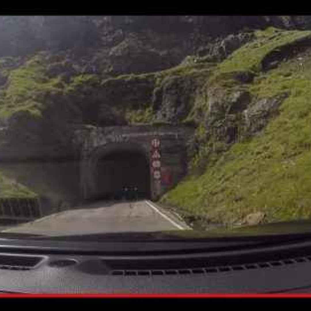 viaggi  strade  guida  trasporti  tunnel