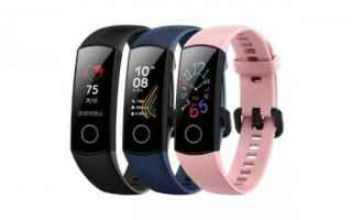 Gadget: smartband  fitness tracker