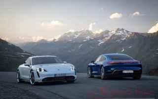 Automobili: taycan  porsche auto sportive