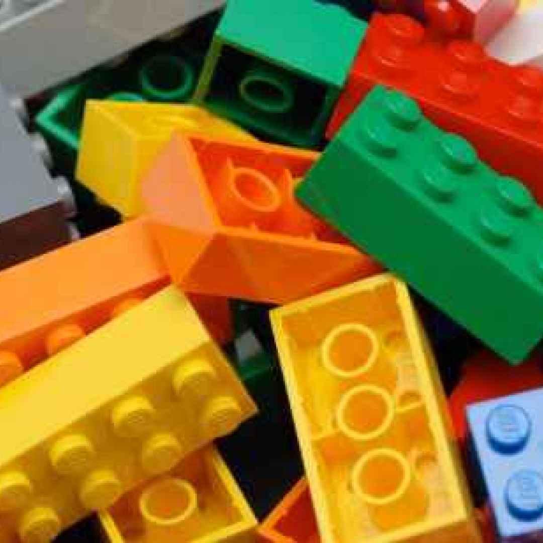 Lego: istruzioni in braille e audio per bambini