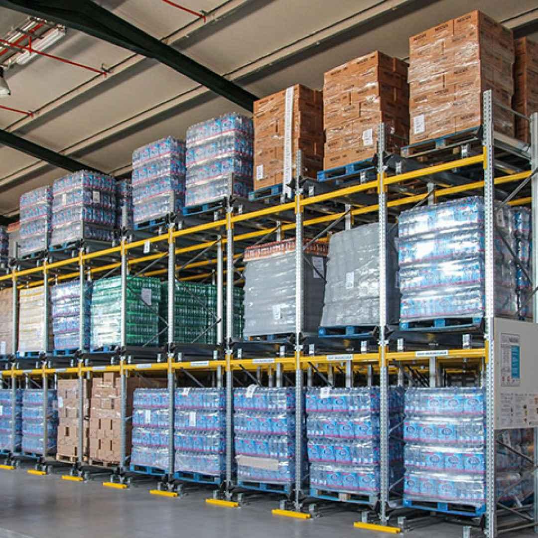 logistica  magazzino  scaffalature