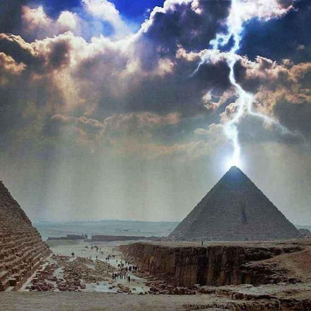 piramide  egitto  faraoni