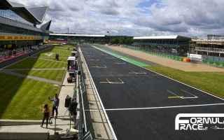 https://diggita.com/modules/auto_thumb/2020/03/25/1652388_Circuito-di-Silverstone-griglia-di-partenza_thumb.jpg