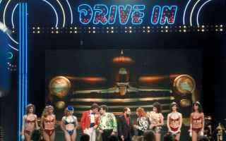 Spettacoli: drive in  concerti  film  coronavirus