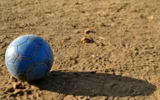 Calcio: calcetto  calcio