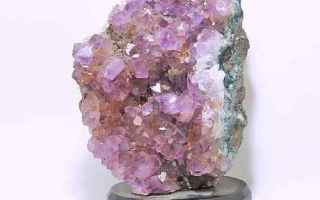 Bellezza: ametista  quarzo  pietra  viola