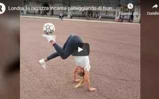 Calcio: donna calcio video londra spettacolo