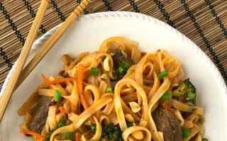 Gastronomia: pad thai a milano  ristorante dou milano