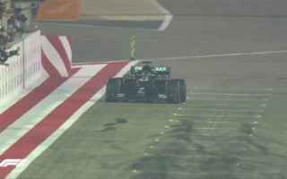 Al termine del Gran Premio del Bahrain, Lewis Hamilton domina e vince per la quarta volta in carrier