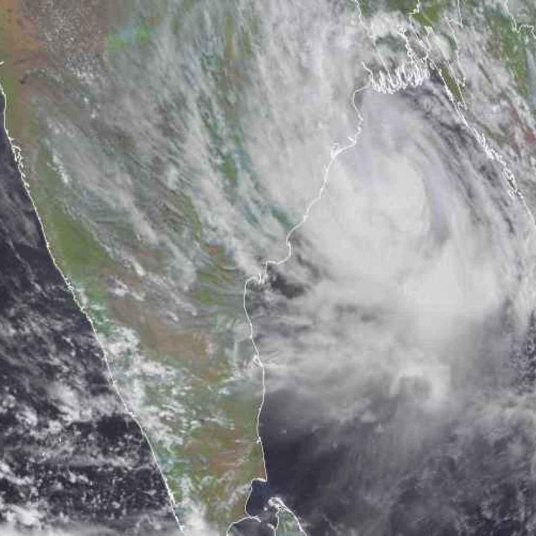 meteo  india  ciclone  maltempo  yaas