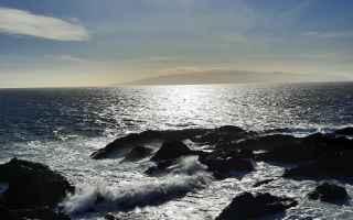 Viaggi: Camminando senza una meta apparente sulla costa di Puerto de Santiago. Tenerife