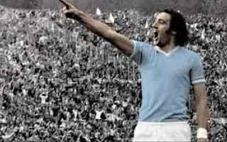 Sport: Calcio, Inter-Lazio 1974. Quando Chinaglia picchiò un calcio nel sedere a D