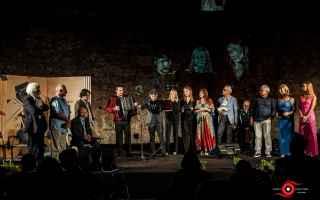 Teatro: 2021 Ventiquattresima edizione con grandi protagonisti della poesia contemporanea. Concerto con